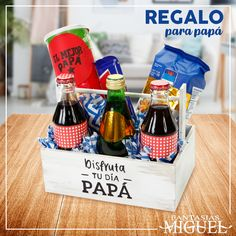 Regalo para papa - Moto Tutorial and Ideas Fathers Day Photo, Fathers Day Gifts, Gifts For Dad, Wine Gift Baskets, Basket Gift, Bbq Gifts, Gifts For Teen Boys, Mom Birthday Gift, Diy Box