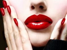 How to choose red lipstick