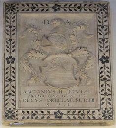 Lastra tombale di Antonio II Ordelaffi dal duomo di Forlì, Bode-Museum, Berlino. https://it.wikipedia.org/wiki/Antonio_Maria_Ordelaffi