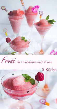 Rezept für Frosé - die coolste rosa Wolke und mein liebster Sommerdrink 2017. Der Rosé Wein Slushie oder Frozen Rosé Wine ist enorm erfrischend, wandelbar durch unterschiedliche  Früchte und macht einfach großen Spaß!