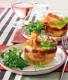 Pancetta-Nester mit Parmesan-Eiersahne