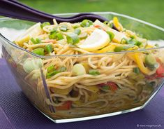 Spaghettisalat mit Currydressing – MixGenuss Blog Cabbage, Salads, Pizza, Vegetables, Ethnic Recipes, Blog, Dressings, Dips, Snacks