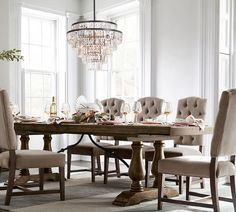 Dining room lighting: How a dining room chandelier will elevate your dining room decor Luxury Dining Room, Dining Room Design, Dining Room Furniture, Dining Room Table, A Table, Furniture Makers, Furniture Removal, Dining Sets, Small Dining