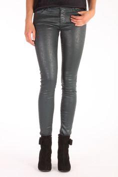 Deze super skinny Jeans the Legging van Adriano Goldschmied is coated katoen met stretch. De coating geeft een leatherlook maar is wel zo comfortabel als een stretch jeans. Samenstelling: 80% katoen 15% modal  en 5% pu. Modal is een hele za Adriano Goldschmied, Super Skinny Jeans, Stretch Jeans, Leather Pants, Fashion, Leather Jogger Pants, Moda, Fashion Styles, Lederhosen