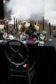 Wedding Table Flowers, Wedding Table Settings, Wedding Reception Decorations, Halloween Wedding Receptions, Halloween Wedding Centerpieces, Halloween Weddings, Table Wedding, Reception Ideas, Table Decorations