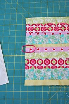 FINALLY a FREE composition book cover. DIY planner for purse in vintage fabrics? YES PLEASE!