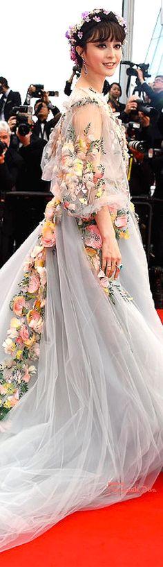 #Fan #Bingbing in Marchesa  ♔ #Cannes Film Festival 2015 Red Carpet ♔ Très Haute Diva ♔