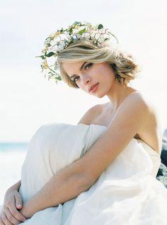 Majestic Sunrise Bridal Session on the Hawaiian Coast by Inga Vedyan | Wedding Sparrow