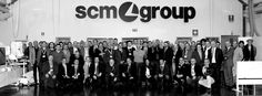 Il personale SCM Group di tutte le filiali . . . The staff SCM Group of all the subsidiaries