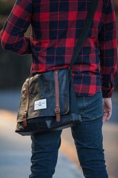 Sac messager par LeBucheronUrbain Bronze, Waxed Canvas, City Bag, Metal Buckles, Black Nylons, Real Leather, Messenger Bag, Plaid, Bags