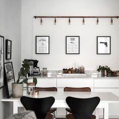 Norrtullsgatan 25 3 rok, 76 kvm / styling: scandinavian homes / ph: kronfoto Nordic Interior, Minimalist Interior, Kitchen Interior, Kitchen Decor, Interior Design, Nordic Kitchen, Dream House Interior, I Coming Home, Home Trends