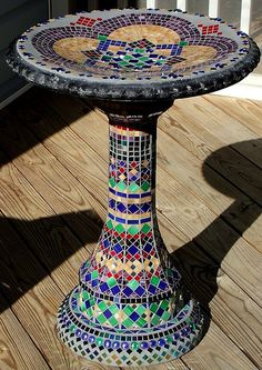 New Bird Bath Craft Mosaic Birdbath 47 Ideas Mosaic Birdbath, Mosaic Glass, Stained Glass, Mosaic Crafts, Mosaic Projects, Mosaic Ideas, Mosaic Designs, Mosaic Patterns, Diy Bird Bath