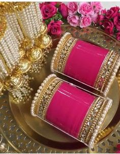 If you want to be a unique bride that looks gorgeous on your wedding day, search for the bridal jewelry that will compliment your attire. Wedding Chura, Wedding Wear, Wedding Bells, Wedding Dresses, Wedding Prep, Wedding Bride, Bridal Bangles, Bridal Jewelry, Gold Jewelry
