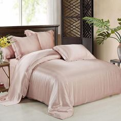 Silk sheets it is nice to pamper oneself just a little. One way to do that is give yourself a good night's sleep on silk sheets. Silk Bed Sheets, Cheap Bed Sheets, Silk Bedding, Duvet Bedding, Beach Bedding, Chic Bedding, Bronze Art, Best Duvet Covers, Shops