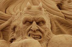 Ray Villafane Sand sculpture