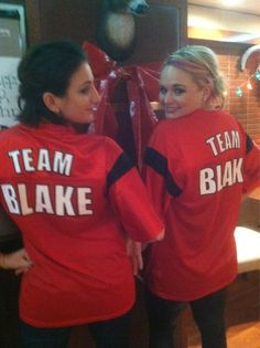 Supports her hubby team! Team Blake