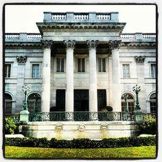 Marble House - Temple Facade  Newport, Rhode Island Newport Ri Mansions, Marble House, Classic House Design, Newport Rhode Island, Home On The Range, Grand Homes, Gilded Age, Historic Homes, Villa