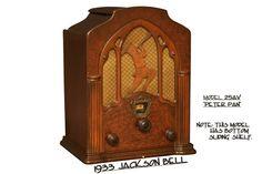 "Radio Wood - Jackson-Bell  ""Model 25AV Peter Pan""  (1933)"