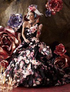 And 8538 stella de libero │ Gallery │ costumer Gifu photo studio Tokiwa (TOKIWAYA) Bridal Gowns, Wedding Gowns, Mode Costume, Mode Glamour, Fairytale Dress, Fantasy Dress, Floral Fashion, Beautiful Gowns, Dream Dress