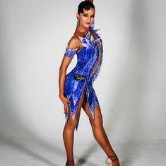 Фотографии Вероники Динчер Dance Photo Shoot, Dancer Photography, Latin Ballroom Dresses, Dance Outfits, Dance Costumes, Dance Wear, Ball Gowns, Poses, Ideas