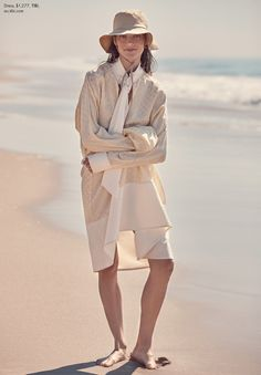 Aussie model Jasmine Dwyer is styled by Sara Smith in Altuzarra, Louis Vuitton, Prabal Gurung and more in 'Wish You Were Here' by Christopher Ferguson. Fashion Shoot, Editorial Fashion, New Fashion, Boho Fashion, Beach Fashion, Beach Editorial, Top Male Models, Boho Beach Style, Outdoor Fashion