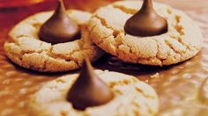 Peanut Butter-Chocolate Candy Cookies - I would say makes 8 minutes is the best. Cookies will be a little crumbly if you make more and make them thinner. Hershey Kiss Cookies, Peanut Butter Blossom Cookies, Classic Peanut Butter Cookies, Candy Cookies, Holiday Cookies, Cookie Desserts, Cookie Recipes, Cookie Tray, Peanut Butter Blossoms Recipe Betty Crocker