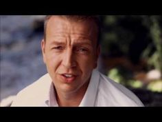Jannes - 'n Paradijs Op Aarde (Officiële video) - YouTube Om, Stars, Youtube, Image, Sterne