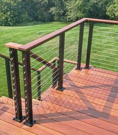 Deck railing isn't just a security function. It can add a stunning visual to mount a decked location or deck. These 36 deck railing ideas show you exactly how it's done! Deck Railing Design, Deck Railings, Deck Design, Landscape Design, Railing Ideas, Cable Deck Railing, Decking Handrail, Deck Balustrade Ideas, Horizontal Deck Railing