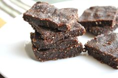The Spinach Spot: Raw Brownies for Kids (with carob!)