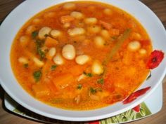 Ciorba-de-fasole-reteta Bean Recipes, Soup Recipes, Vegetarian Recipes, Cooking Recipes, Healthy Recipes, Romania Food, Hungarian Recipes, Vegan Dishes, Soups And Stews