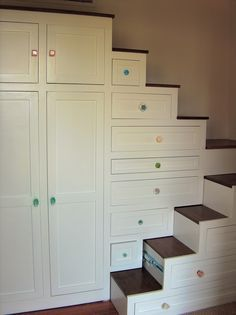 Tiny Home ~ Has to be the best idea for stairs for a tiny home! The drawers pull out to complete the staircase!