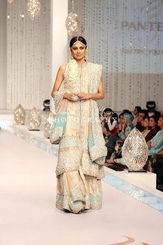 Bridal by Zainab Shahid White Bridal Dresses, Bridesmaid Dresses, Formal Dresses, Chiffon Dresses, Wedding Wear, Wedding Attire, Dream Wedding, Pakistan Bridal, Expensive Dresses