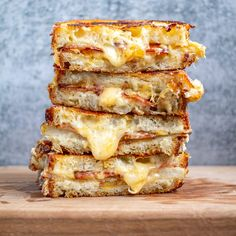 Baked Potato Grilled Cheese Making Grilled Cheese, Best Grilled Cheese, Grilled Cheese Recipes, Cheese Appetizers, Sandwich Recipes, Lunch Recipes, Wrap Recipes, Delicious Recipes, Breakfast Recipes
