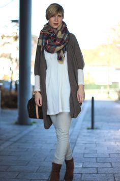 Casual Sundayoutfit with long cardigan & oversized scarf  cardigan: dear cashmere jeans: all saints blouse: pepe jeans oversized scarf: mango http://ahemadundahos.de/?p=5601