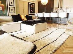 @homesbymilayudina making it look easy. Nice and cozy, elegant but not fussy. #moroccanrugs #torontointeriordesign #imhungover #damndaniel