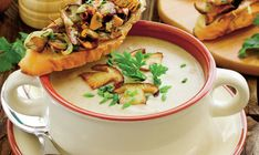 Supă cremă de ciuperci, rețeta lui Jamie Oliver Supă cu ciuperci o mână de ciuperci porcini uscate(ulei de măsline600 g ciuperci sălbatice de diverse Jamie Oliver, Hummus, Ramen, Stuffed Mushrooms, Veggies, Mexican, Yummy Food, Eat, Cooking