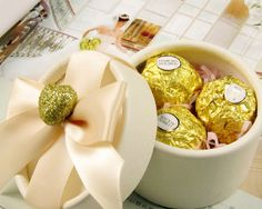Round Ribbon Favor Box with Gold Heart. ONLY $25.95 for 20 pcs + free shipping!!