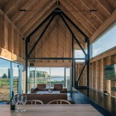 Open Floor Plan Ideas For Wood Ceilings Design Patio, Roof Design, Ceiling Design, House Design, Ceiling Ideas, Tiny Homes, New Homes, Country Interior Design, Roof Architecture