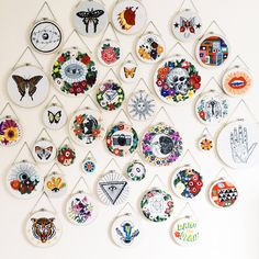 Embroidery Hoop Wall Hanging Sewing Rooms 16 New Ideas Modern Embroidery, Embroidery Hoop Art, Cross Stitch Embroidery, Embroidery Patterns, Stitch Patterns, Hungarian Embroidery, Embroidery Jewelry, Crochet Motifs, Sewing Rooms