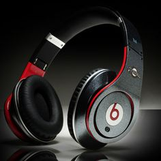 Beats By Dr.Dre MLB Milwaukee Brewers logo