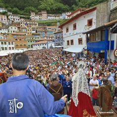 "L'Amuravela was declared in 1976 ""Fiesta of National Tourist Interest"". It takes place on June 29th at Cudillero Asturias. L'Amuravela, declarada Fiesta de Interés Turístico Nacional en 1976. Se celebra en Cudillero Asturias el 29 de junio. ©Foto Juanjo Arrojo"
