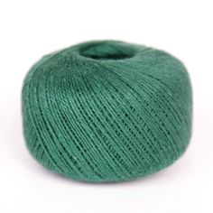 4 Ply Green Cotton Twine 2 Pack. useful for so many jobs, from training wires in greenhouses, to support growing shoots, staking up plants in your garden. Green color camouflaged to conceal it in vegetation of foliage in all your garden projects. Soft twine easy to cut to the length you need. 100% Brand New and High Quanlity. Two 1/6 LB ball made with a blend of cotton and polyester fibers, giving us the best strength.