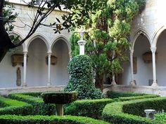 Gran Claustro de Castillo Perelada.