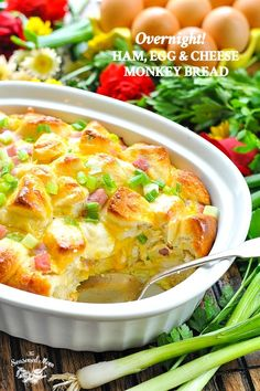 This easy brunch recipe for Overnight Ham, Egg and Cheese Monkey Bread Breakfast Casserole takes only a few minutes to prep! This easy brunch recipe for Overnight Ham, Egg and Cheese Monkey Bread Breakfast Casserole takes only a few minutes to prep! Breakfast Casserole With Bread, Brunch Casserole, What's For Breakfast, Savory Breakfast, Breakfast Items, Breakfast Dishes, Casserole Recipes, Breakfast Recipes, Morning Breakfast