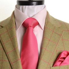 Luxury Tweed Sports Jackets Made to order online - After carefully selecting your cloth from our Luxury Saxony Tweed range by @dugdalebrosandco choose the style of your jacket and the size you require from the many options available. Delivery times are approx 4-6 weeks from day of order. Now With Free Shipping Worldwide! Cloth samples are available on request before ordering. Available to order online at: http://ift.tt/2iqIfsf #andrewjmusson #bespoke #tailor #Lincoln #Lincolnshire #Savilerow…