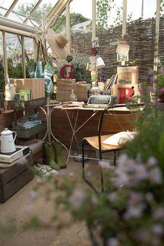 Portfolio - 'RHS-Chelsea-flower-Show' : Lucyina Moodie - Interior Stylist