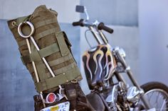 Dice Issue 59/Biltwell Limited Edition Sissy Bar Bag. I need this bag!