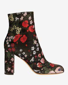 b5cecbb0825 New Designer Clothing for Women