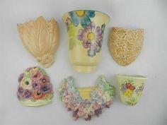 Wall Pockets Retro Wallpaper, Vintage Walls, Pottery, Wall Vase, Baskets On Wall, Wall Pockets, Hanging Baskets, Wall Deco, Pocket Vase