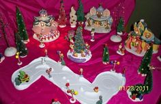 How the Grinch Stole Christmas, Village set